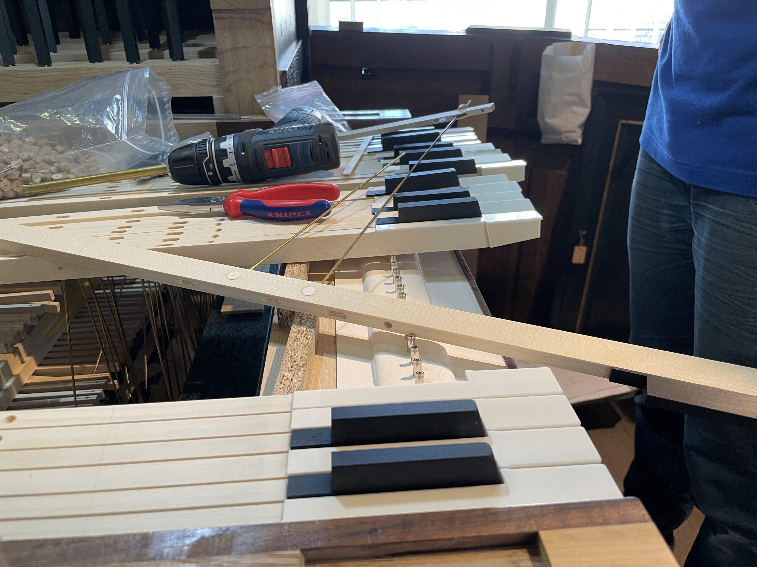7 september: de klavieren beginnen vorm te krijgen